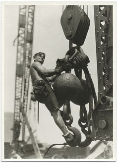 Building the Empire State Building - This blates wouldn't be allowed these days!