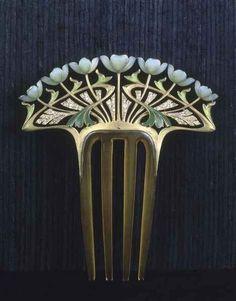 Art Nouveau comb, 1900's (Henri Dubret - cgmfindings)