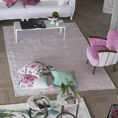 Tauriana Crocus Rugs offers thin stripes in crocus and amethyst shades which shimmer beautifully in the light. Carpet Sale, Cheap Carpet, Designers Guild, Lounge, Striped Rug, Pink Rug, Luxury Home Decor, Modern Rugs, Home And Living