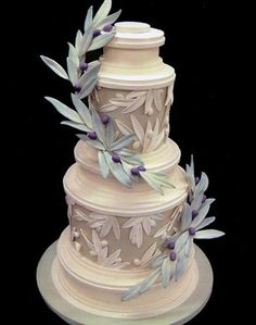 Wedding cake inspiration- this is so beautiful. Reminds me of Wedgewood pottery.