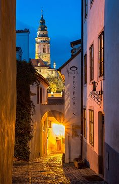 -- Night in Cesky Krumlov -- - www.facebook.com/fotopetrkubat