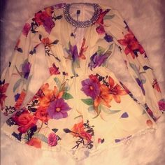 Small floral romper Brand new never worn.. SM floral romper :) Other