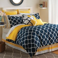 Navy white yellow bedspreads | Hampton Links Bedding Collection