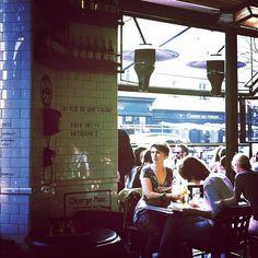 CAFÉ CHARLOT - 38 Rue de Bretagne, 75003 Paris - M° Temple