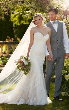 This Essense of Australia fit-n-flare wedding gown features lace appliques with a sweetheart neckline, and a silhouette.