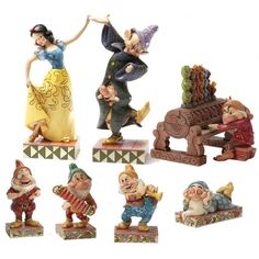 LOT DANCING PARTNERS DISNEY TRADITIONS - CadeauCity Figurine Disney, Snow White Disney, Disney Traditions, Party Crafts, Geeks, Disneyland, Dancing, Geek Stuff, Decoration
