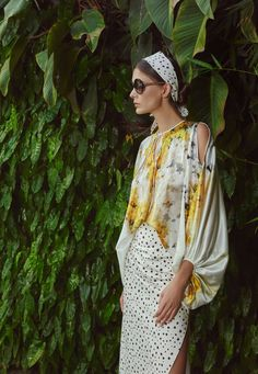 Inspired by the Coast of the Carribean, Silvia Tcherassi Spring Summer 2020 collection has an island-inspired feel about it. Fashion 2020, Daily Fashion, Fashion News, Spring Fashion, Fashion Trends, Eclectic Style, Looks Style, Summer Outfits, Fashion Dresses