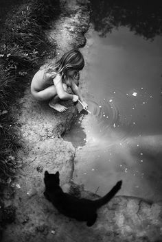 La Famille - Photographs and text by Alain Laboile Black N White, Black White Photos, Black And White Photography, Black Cats, Shades Of Grey, Belle Photo, Art Photography, Vignette Photography, Contemporary Photography
