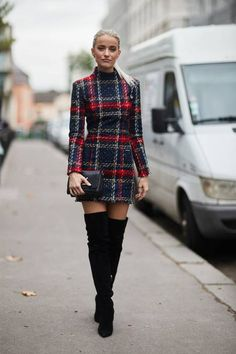 the Best Street Style From Paris Fashion Week See all the most covetable street style looks from Paris Fashion Week.See all the most covetable street style looks from Paris Fashion Week. Street Style Trends, Street Style Looks, Mode Outfits, Fall Outfits, Casual Outfits, Fashion Outfits, Fashion Boots, Tartan Fashion, Fashion Weeks