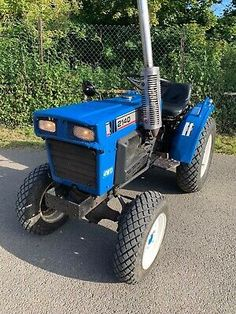 Ad -  Iseki 2140 4WD Compact Tractor 3 Point Linkage Classic Tractor, Train Truck, Compact Tractors, Lawn Mower, Trailers, Outdoor Power Equipment, 4x4, Trucks, Ebay