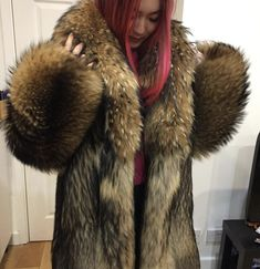 Fabulous Fox, Great Women, Fur Coats, Fur Fashion, Derp, Fox Fur, Red Hair, Sexy Women, Asian