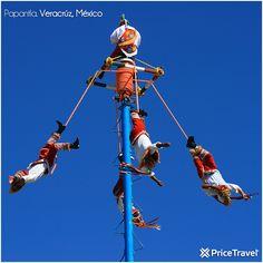 Ceremonia de los Voladores de Papantla, en Veracruz. Danza tradicional y característica de la cultura Totonaca.