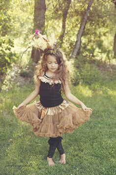 For Gracee's 7th BD pics.  Use offwhite pettiskirt, light/lacy tank, and lace leggins from Etsy.  Jenn?