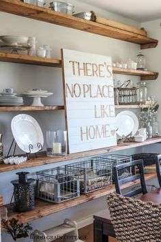 """DIY """"There's No Place Like Home"""" Pallet Art 