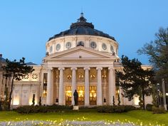 Romanian Athenaeum is Bucharest's most prestigious concert hall and one of the most beautiful buildings in the city Latina, Eslava, Bucharest Romania, Concert Hall, Paris, Beautiful Buildings, Amazing Architecture, Wonderful Places, Places Ive Been