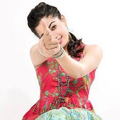 Cute Girl Poses, Cute Girl Photo, Girl Photo Poses, Girl Photos, Beautiful Girl Photo, Beautiful Girl Indian, Most Beautiful Indian Actress, Couple Photoshoot Poses, Wedding Couple Poses