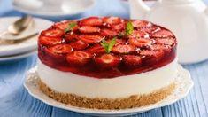 Nepečený jahodový cheesecake | Recepty.sk Cheesecake Cupcakes, Cheesecake Recipes, Dessert Recipes, Desserts, Sweet Cookies, Cake Cookies, Sweet Treats, Tummy Yummy, Torte Cake
