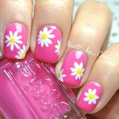 Instagram media by cindysvanity - Hand painted daisies! I love essie's 'mod square'. It's an electric barbie pink.