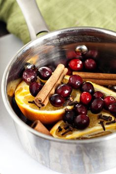 Holiday Stove-top Potpourri... makes your house smell heavenly!