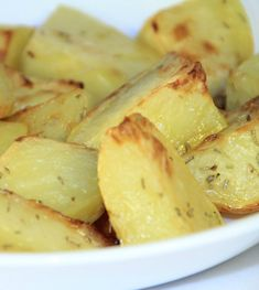 "Easy Microwave Herbed Potatoes from the Wilderness Wife 2 lbs. of potatoes, cut in 1'inch bite size pieces. Yukon Gold is my favorite but any ""tater"" will work. 2 tbs. extra virgin olive oil 1 tbs. melted butter ½ tsp. garlic powder ½ tsp. thyme ½ tsp. oregano ½ tsp. sage"