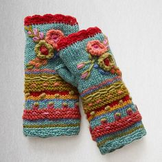 Women Fingerless Gloves Winter Floral Arm Gloves with Thumb Hole – Irisruby Knitted Gloves, Fingerless Gloves, Gants Vintage, Vintage Gloves, Vintage Boots, Arm Warmers, Mittens, Bag Accessories, Winter Accessories