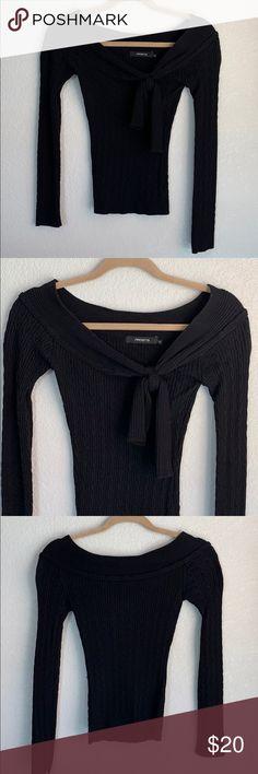 b68ebc9e996 Off the shoulder black sweater Arden B off the shoulder black sweater. Has  a knot