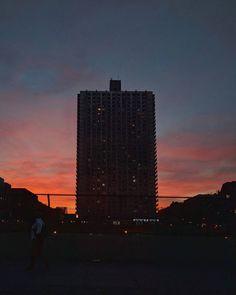 Tonight's sunset in Washington Heights NY.  #travelingdorks #nyc #newyork #manhattan #newyorkcity #ny #skyline #iloveny #sunset