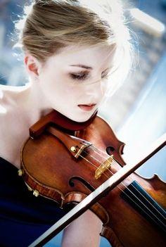MSO: Goulding golden in Sibelius Violin Concerto