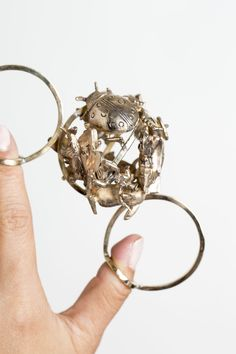 Halo. 2016. By Diana Garcia. Once Upon a Time. MFA Thesis Project. Academy of Art University. San Francisco, CA. Photo by Emily Hill. #halo #handpiece #rings #hand
