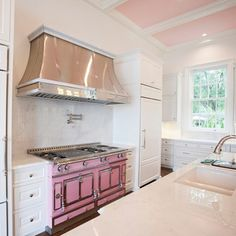 """La Cornue of France on Instagram: """"This lucky homeowner was ticked pink about her new custom color PINK La Cornue!! #lacornue #atelierlacornue #depuis1908 #chateau150…"""" Dream Kitchen, Elegant Interior Design, La Cornue, Kitchen Decor, Pink Kitchen, Show Home, Elegant Interiors, Interior Inspo, Kitchen Design"""