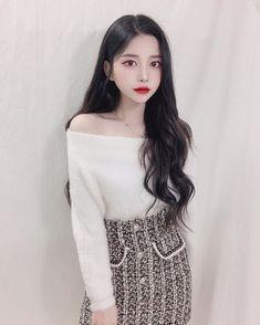 Korea Fashion, Asian Fashion, Girl Fashion, Korean Beauty Girls, Asian Beauty, Asian Hairstyles Women, Mode Kpop, Ulzzang Korean Girl, Uzzlang Girl