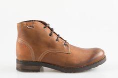 Ghete  din piele naturala Boots, Fashion, Shearling Boots, Moda, Fashion Styles, Heeled Boots, Fashion Illustrations, Fashion Models, Shoe Boot