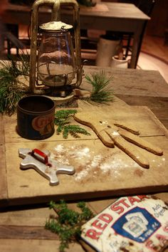 Prim cutting board with a ginger and old cutter.and awesome accents of Crisco shortening red star yeast and a dusting of flour! Love this vignette! Christmas Gingerbread, Primitive Christmas, Country Christmas, Christmas Home, Vintage Christmas, Christmas Kitchen, Gingerbread Crafts, Gingerbread Houses, Christmas Things