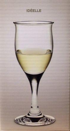 Holmegaard rødvinsglas Glass Design, White Wine, Alcoholic Drinks, Glass Art, White Wines, Liquor Drinks, Alcoholic Beverages, Liquor