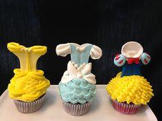 Princess cupcakes (by Royalty_Cakes)