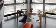 Large oak table with glas plate from alvari as conference table