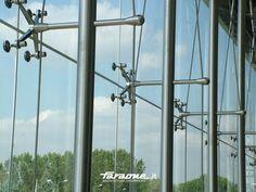 Point-fixed glass facade SPIDER-GLASS - FARAONE