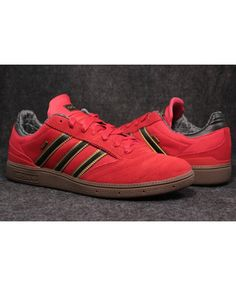 newest 282f8 bc50e Adidas Hamburg Gore Tex Collegiate Red Core Black Gold Mist Trainer