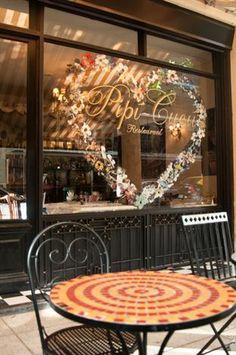 Buenos Aires e seus cafés charmosos são ideias para a estação mais romântica do ano.