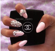 So jealous of theses. If I ever go and get my nails done this is what ill get xx