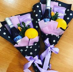 Міні Gift Bouquet, Candy Bouquet, Creative Gift Wrapping, Creative Gifts, Fruit Flower Basket, Friendship Day Gifts, Chocolate Flowers Bouquet, Flower Shop Design, Flower Box Gift