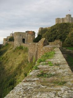 Dover_castle_wall