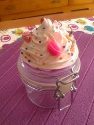 Resultado de imagen de frascos decorados con porcelana fria Clay Jar, Clay Mugs, Fimo Clay, Polymer Clay Crafts, Ceramic Clay, Diy Cristals, Sugar Rush, Kawaii Crafts, Cute Clay