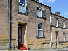 Rosehip Cottage - Houses for Rent in Alnwick Alnwick Castle, Dunstanburgh Castle, Pet Friendly Accommodation, Smart Kitchen, Outdoor Seating, Renting A House, Ground Floor, United Kingdom