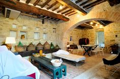 House in Colle Umberto I, Italy. The Stable, is a big loft where my family created his Buon Ritiro. Authentic and confortable is the best place for discover the wonderful Umbria.  Le Stalle  (The old cowshed of l'Osteriaccia)  N. 4 bedrooms Parking YES MQ 100 10 km from Perugia (...