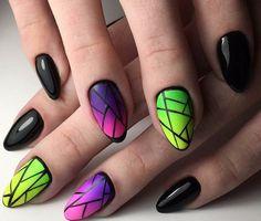 Геометрический дизайн ногтей, Геометрический маникюр, Градиентный дизайн ногтей, Дизайн ногтей омбре, Идеи геометрического маникюра, Черные ногти, Черный маникюр гель лаком, Яркий гель лак