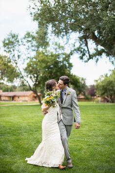 Photography: EB+JC Photography - www.ebplusjc.com/   Read More on SMP: http://www.stylemepretty.com/2014/07/09/colorado-bluegrass-wedding-at-planet-bluegrass/