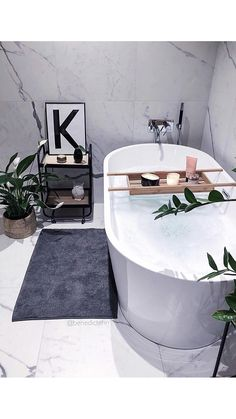 Modern Scandinavian Bathroom Interior In White - Interior Design Ideas & Home Decorating Inspiration - moercar White Bathroom, Bathroom Interior, White Interior Design, Scandinavian Bathroom, Modern Kitchen Design, Clawfoot Bathtub, Bathroom Inspiration, Home Decor, Decoration Home