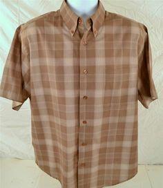 Natural Issue Wrinkle Free Men's Size Large Short Sleeve Shirt