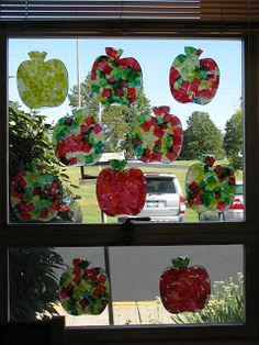 Kindergarten Hoppenings: Way Up High in the Apple Tree. Apple tree, books about apples, and craft